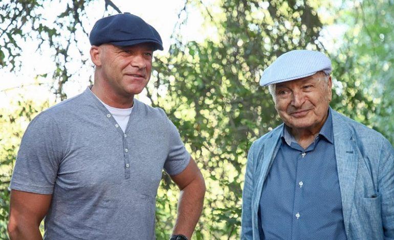 Одесса: Жванецкий лично проинспектировал работы по благоустройству бульвара, названного в честь его имени