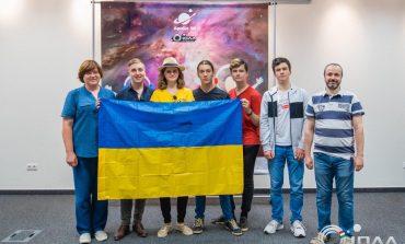 Украинские школьники завоевали 9 медалей на международных олимпиадах по информатике и астрономии