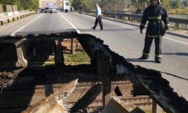 В Харькове обвалился автомобильный мост
