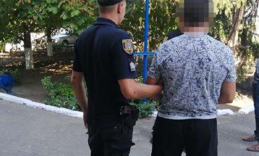 Избил кулаками до смерти: в Ивановке мужчина убил собственную мать
