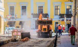 Масштабные работы в центре Одессы: в Воронцовском переулке работает тяжелая техника (фото)