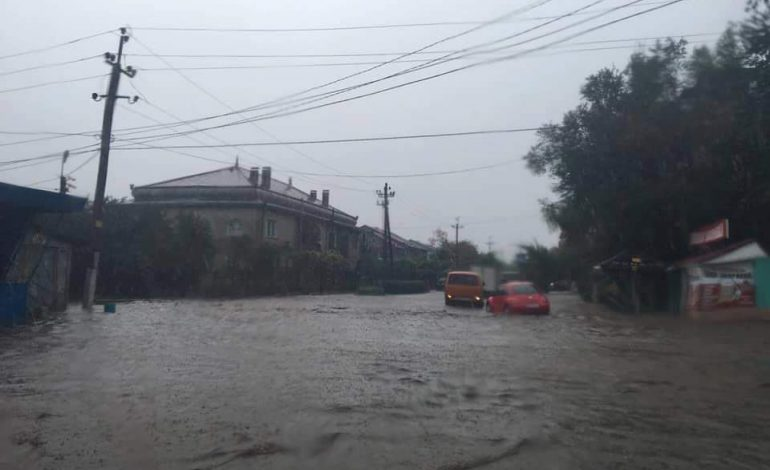 Сильный ливень в Арцизе стал причиной очередного потопа (фото)