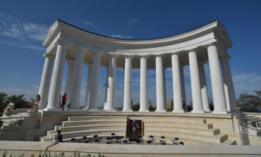 Знаменитая одесская колоннада Воронцовского дворца открыта (фото)