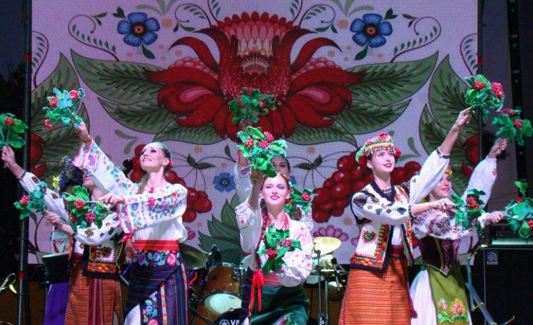 Ренийцы праздновали День города три дня: новый фонтан, автодрифт, салют и фестиваль бандуры столичного уровня