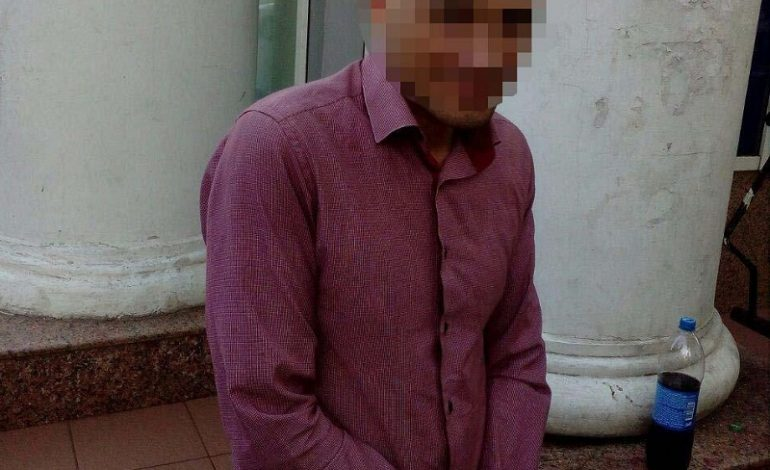 По центру Одессы разгуливал мужчина с боеприпасами