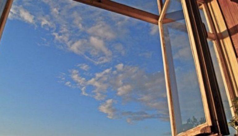 Выпрыгнул с балкона шестнадцатого этажа: в Черноморске произошла трагедия