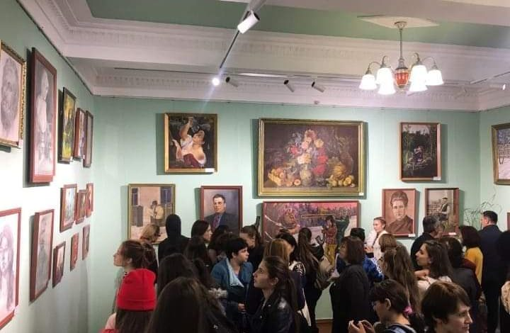 В селе Болградского района открылась картинная галерея