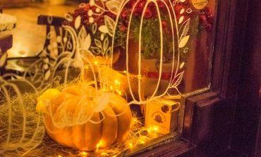 Украсить к Хэллоуину: как выглядят одесские витрины в преддверии празднества (фото)