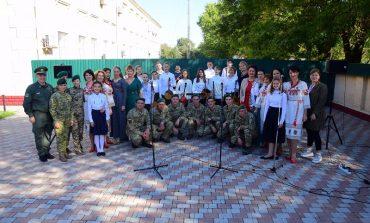 Детская музыкальная школа Измаила ко Дню защитника Украины подарила праздничный концерт пограничникам