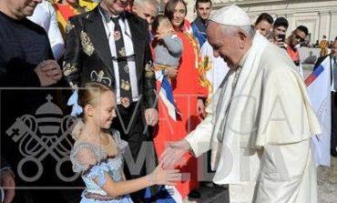 Папа Римский сделал подарок маленькой одесситке