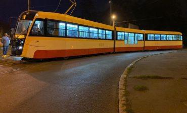 В Одессе собирают второй трехсекционный трамвай