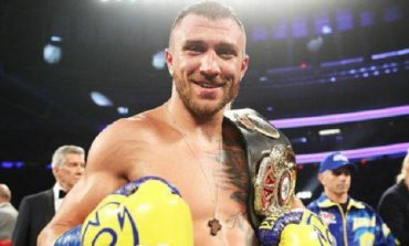 Василия Ломаченко признали лучшим боксером года