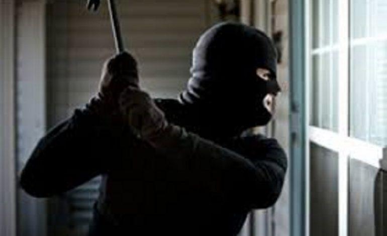 В Одессе грабитель отнял деньги у фармацевта, угрожая металлическим прутом