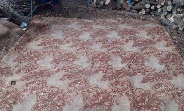 Хрусталь, буфетные принадлежности и старенький ковер – в Тарутинском районе выкрали скромное имущество пенсионерки