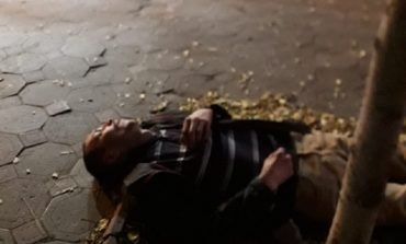 В Одессе вынесли из маршрутки пассажира в бессознательном состоянии и бросили на остановке