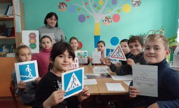 В Арцизе  школьники  поддержали Неделю  безопасности дорожного движения