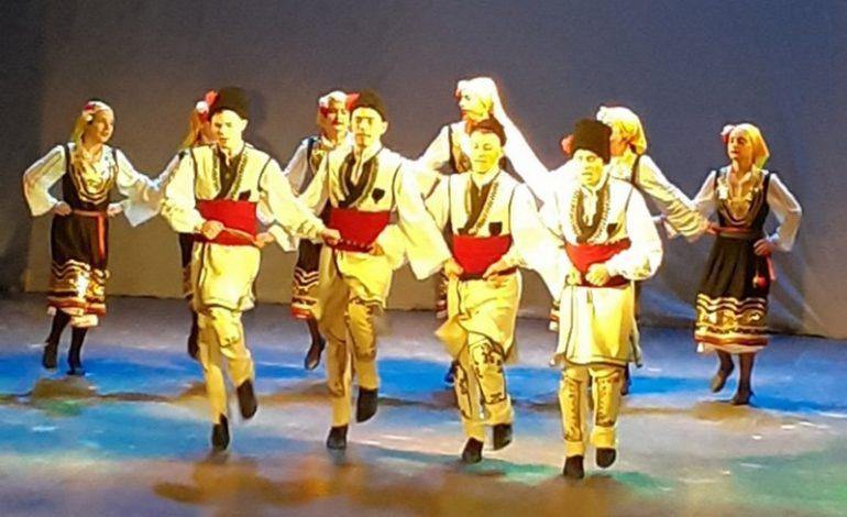Тарутинский район: танцевальный коллектив из Петровки Первой вышел в региональный тур Всеукраинского конкурса имени Павла Вирского