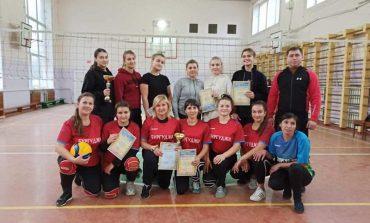 В Арцизе  соревнуются  физкультурники по волейболу (фото)