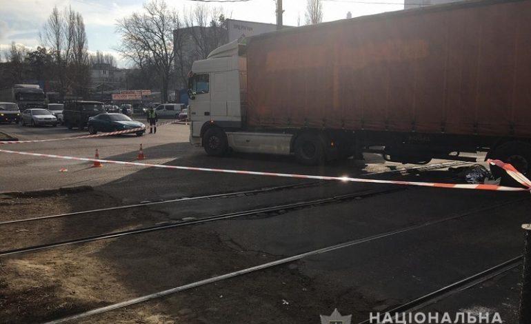 Смертельное ДТП в Одессе: двое пешеходов попали под колеса грузовика