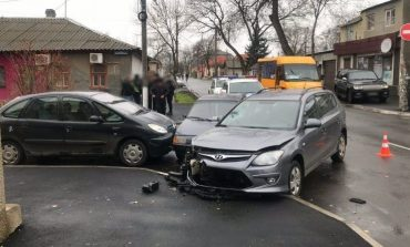 ДТП на перекрестке: в Измаиле столкнулись три легковушки