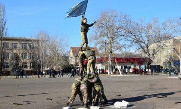 В Сарате поздравили военных (фото)