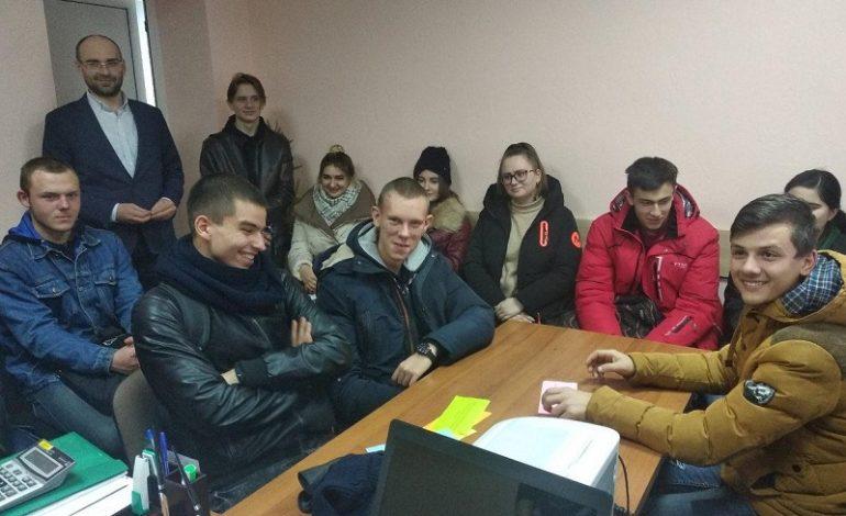 Почему  студентов в  Белгороде-Днестровском пригласили в  управление соцполитики