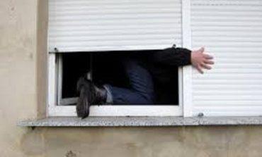 В Белгород-Днстровском грабитель проникал в дома через окна, пока хозяева были на работе
