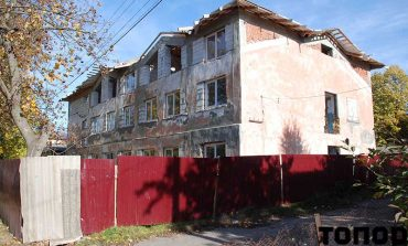 В Болграде за 1,4 миллиона реконструируют крышу недостроя