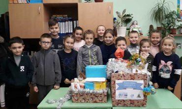 Болградские школьники поздравили военных
