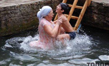 Крещенское купание в Болграде (фото)