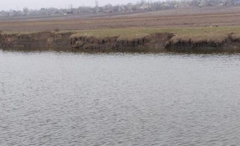 На Крещение в реку Сарата окунулись жители сразу нескольких сел (фото)
