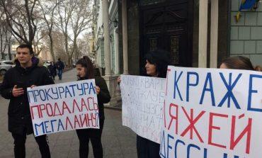 Одесситы возмущены наглостью застройщиков побережья и бездействием прокурора