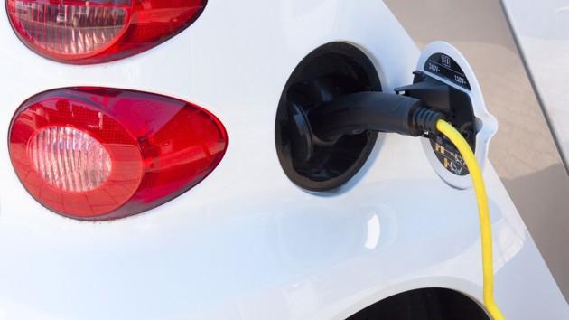 Продажи электромобилей в Украине выросли на треть