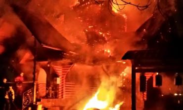 В Закарпатской области страшный пожар уничтожил деревянный храм