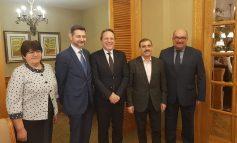 Еврокомиссар Варгели инициировал обсуждение языковой политики и админреформы в Украине