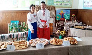 Будущие повара Арцизского аграрного лицея проводили мастер-класс и ярмарку с блинами