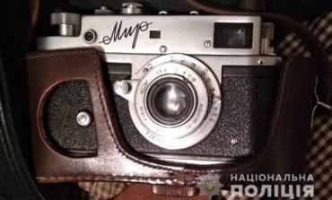 В Измаиле двое грабителей избили пожилую пенсионерку ради старого фотоаппарата, иконы и 15000 гривен
