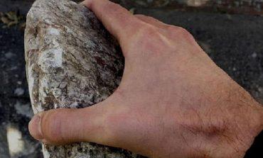 Не поделили девушку: в Одессе киевлянин разбил камнем голову конкуренту