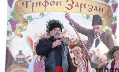 В Болградском районе сельголовы надели короны (фото)