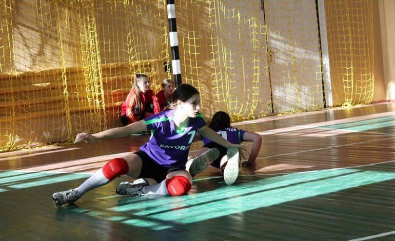 В Саратском районе подвели итоги волейбольного турнира среди женских команд