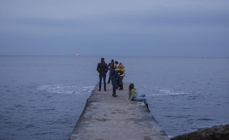 Аномальное тепло вывело одесситов на море (фото)