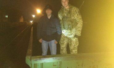 Гражданин Молдовы пытался незаконно попасть в Украину в товарном вагоне с углем