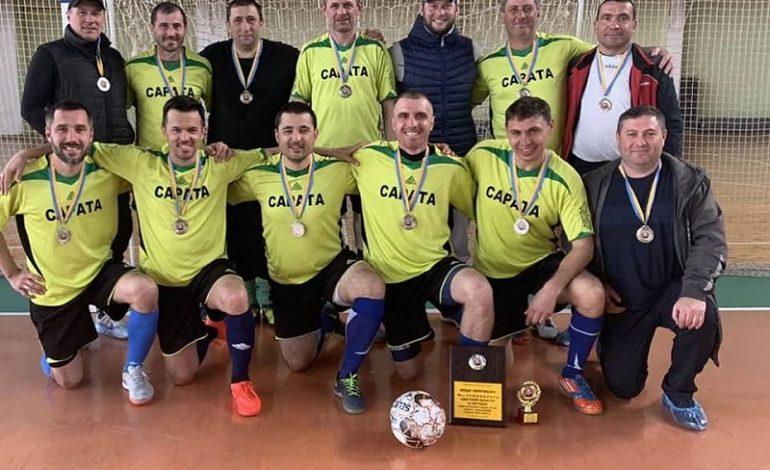 Саратские футболисты стали вице-чемпионами в областных соревнованиях по футзалу среди ветеранов