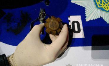 В Килийском районе подвыпивший сельчанин разгуливал с гранатой в кармане