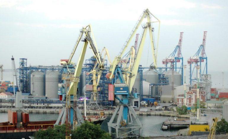 Прежнее руководство Одесского морского торгового порта насчитало себе 3 млн грн премий и поощрений за убыточную деятельность