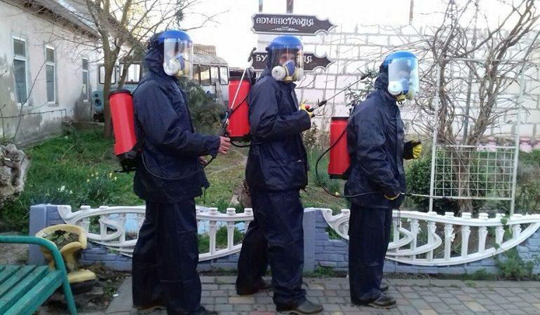 В Арцизе коммунальщики проводят дезинфекции общественных мест
