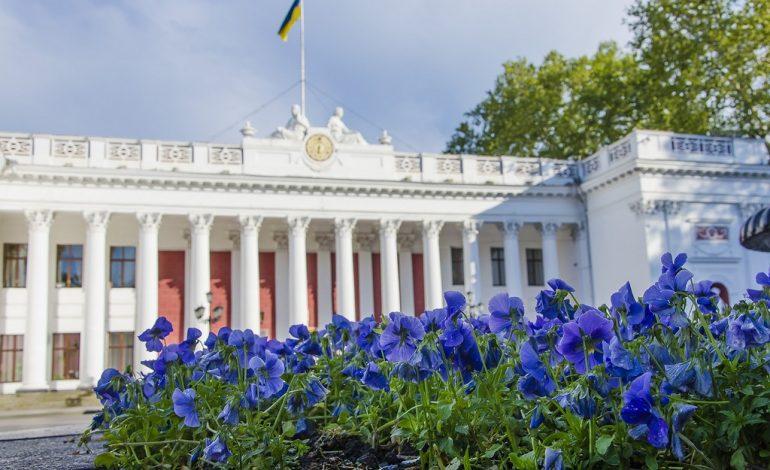 Министр здравоохранения заявил, что массовые гуляния в Одессе вышли за рамки здравого смысла