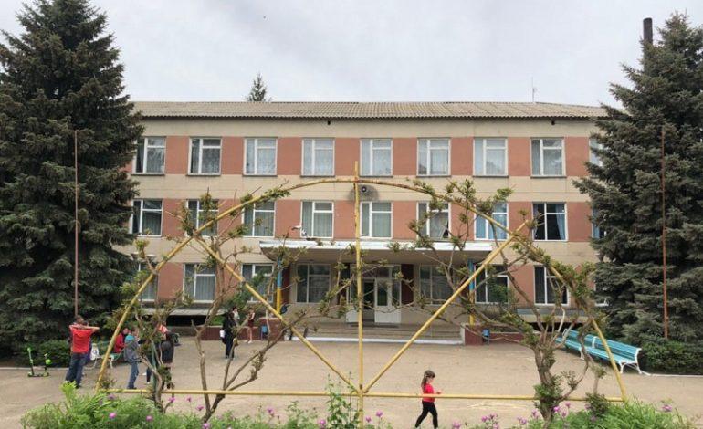 Крик души за родное село: в Тарутинском районе люди против закрытия старшей школы (видео)