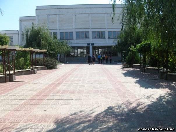 В Новосельском лицее Ренийского района отремонтировали крышу и спортзал