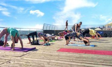 На одесском Ланжероне организуют бесплатные фитнес-тренировки